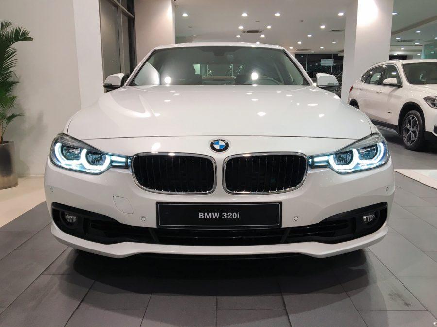 """BMW 320i 2017 """"soái ca"""" đường phố"""