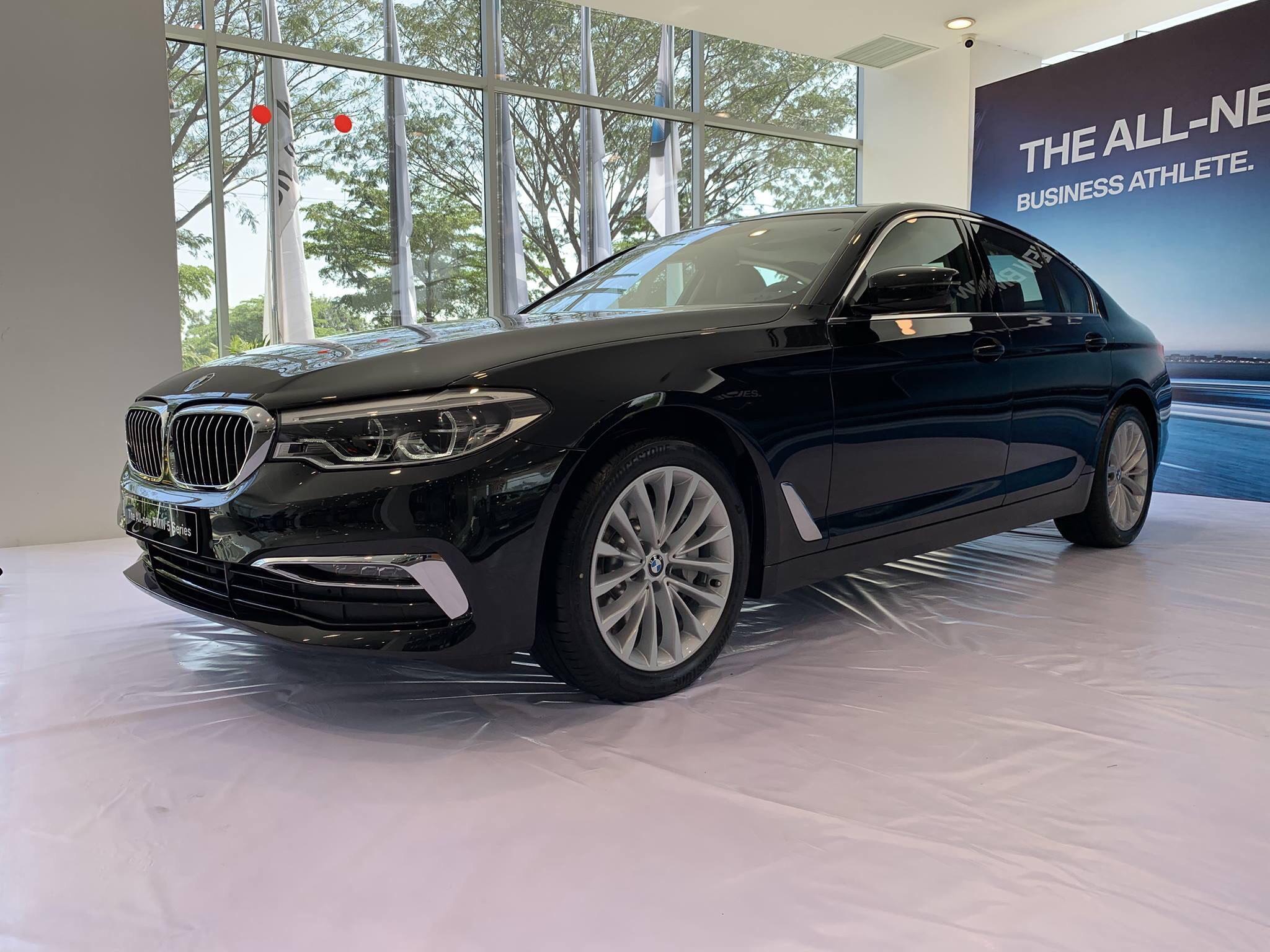 Khám phá BMW 520d máy dầu và BMW 530i máy xăng BMW 5 series G30 2017 mới nhất